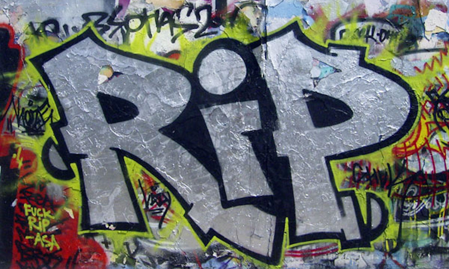 graffiti RIP, photo CC-by-nc par Duncan C https://flic.kr/p/gn9hH.