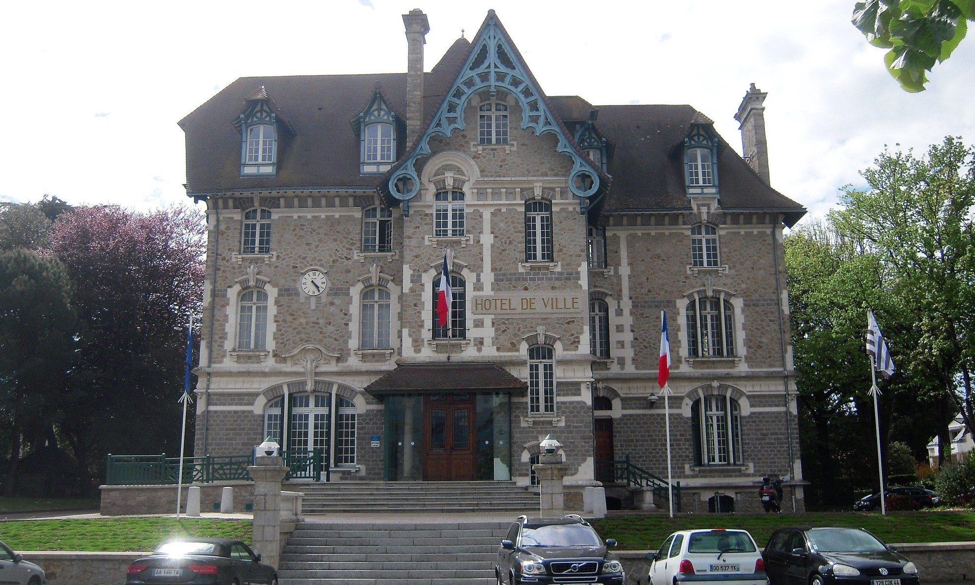Hôtel de Ville de Pornichet CC-by par Patrick Janicek https://flic.kr/p/UjkQEe