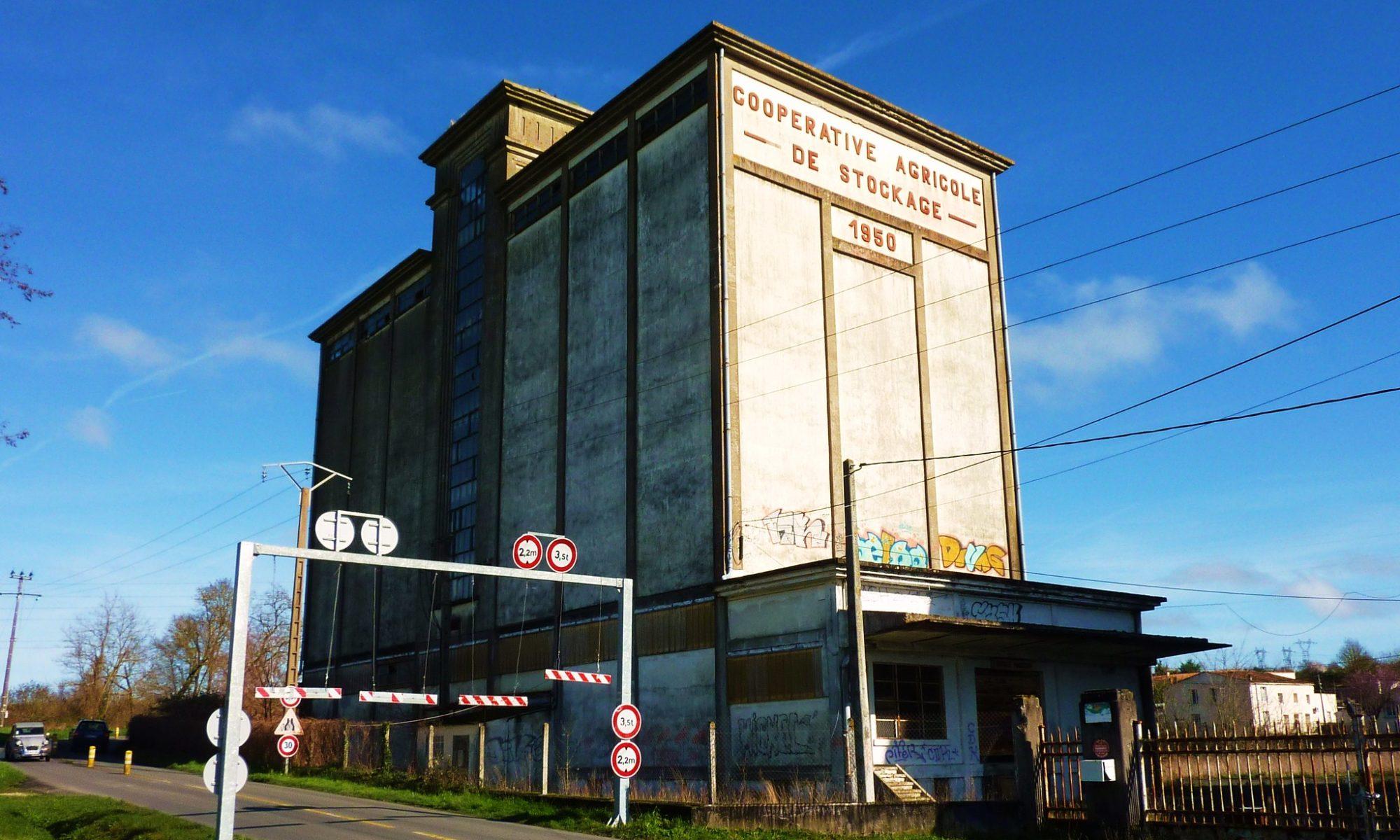 Saintes, ancienne coopérative agricole, CC-by-nc-nd par Thierry Llansades https://flic.kr/p/msM1mk